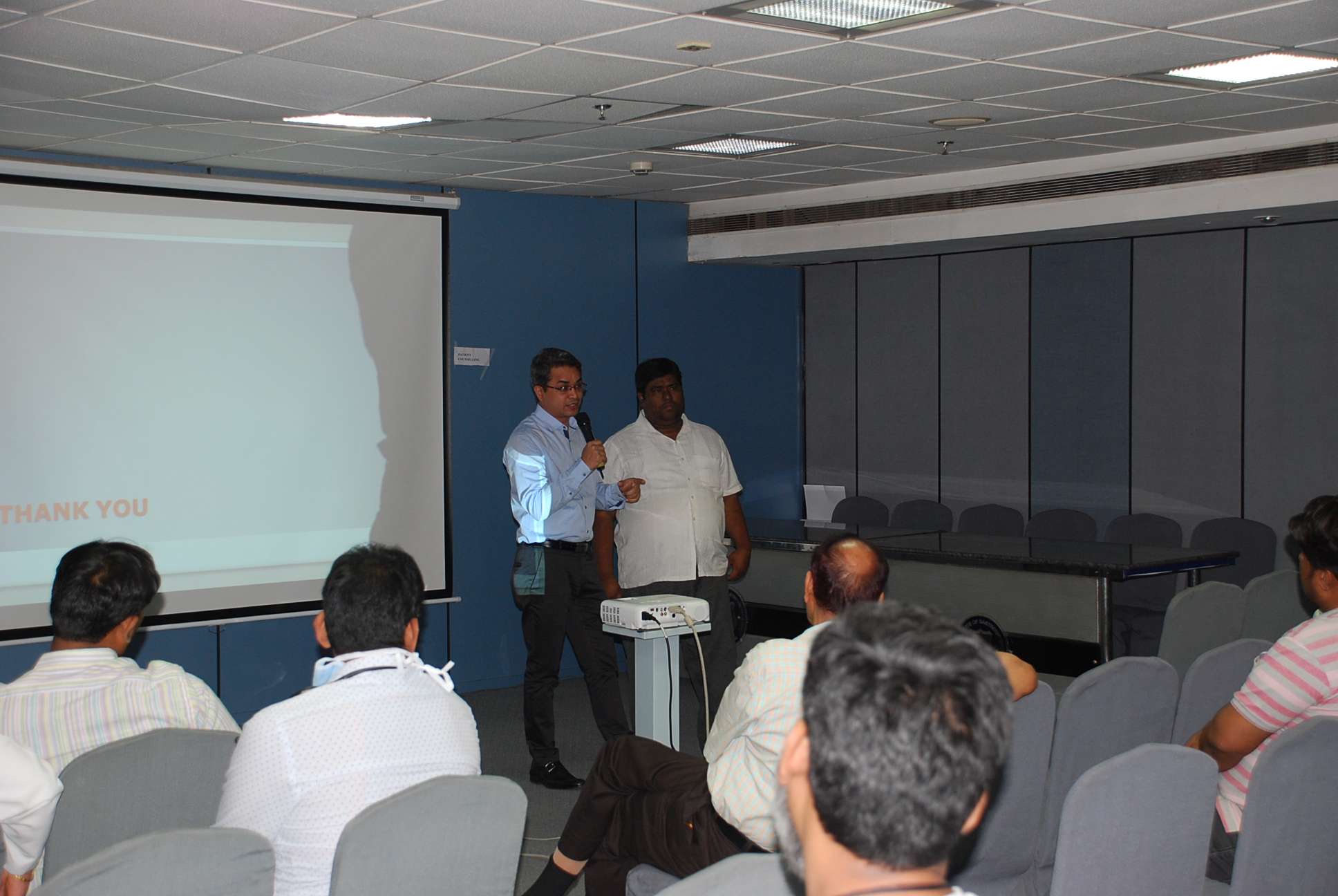 Doctors giving presentation to patients (5)